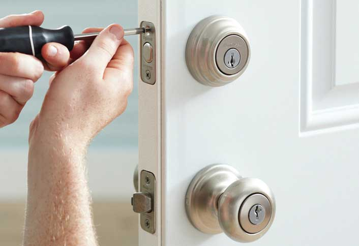 Fixing a door lock