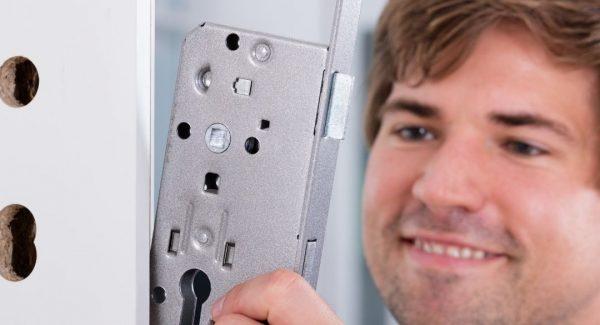 Locksmith Installing a New Lock