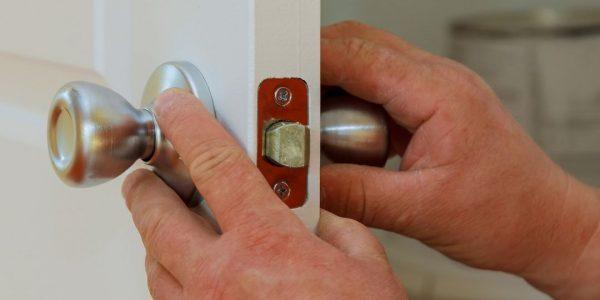 Skilled Professional Locksmith